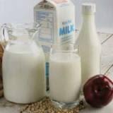 Memutihkan gigi dengan mengonsumsi produk susu