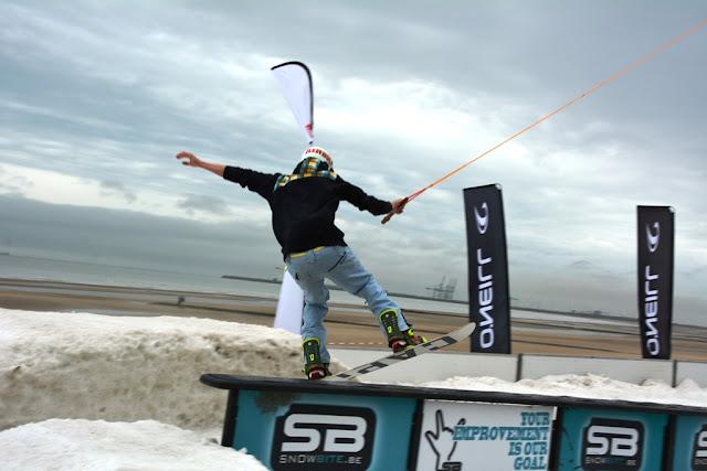 O'Neill Beach club Blankenberge Snowboarding stunts