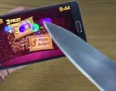 """Dùng dao """"chém hoa quả"""" như thật trên Galaxy Note 4"""