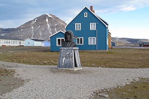 Roald Amundsen, NY Alesund