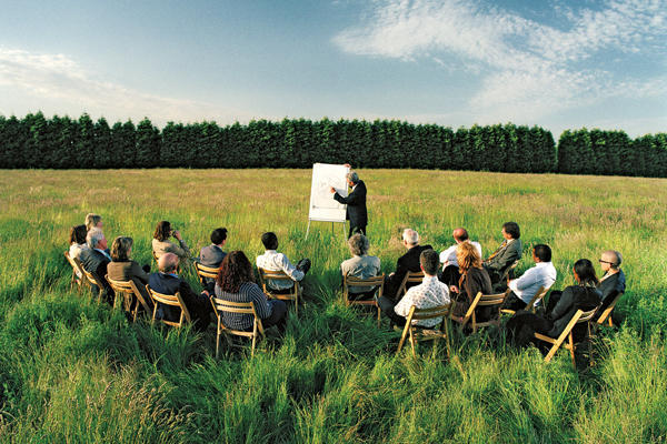 How to Organize a Corporate Retreat
