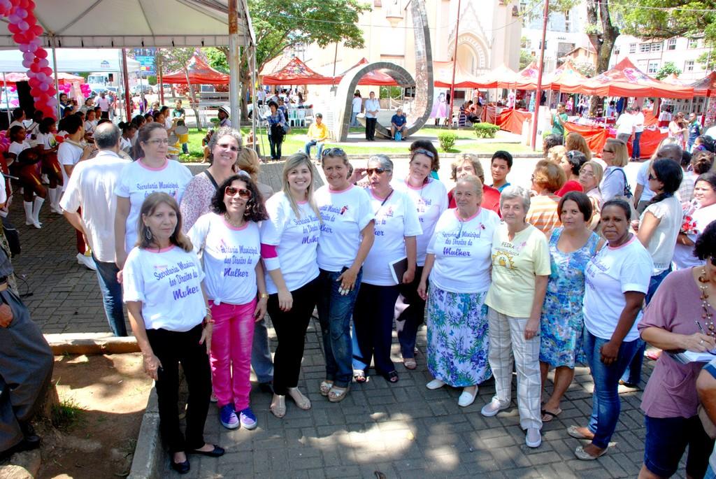 Evento em comemoração ao Dia Internacional da Mulher movimenta a Praça Balthasar da Silveira