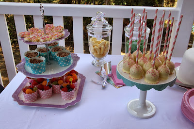 www.familyhomeblog.blogspot.com - Miss O's 1st Birthday Party