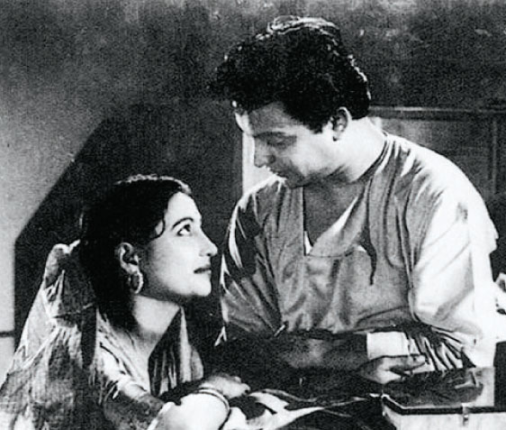 Uttam Kumar and Suchitra Sen in Bangla Movie Harano Sur - 1957