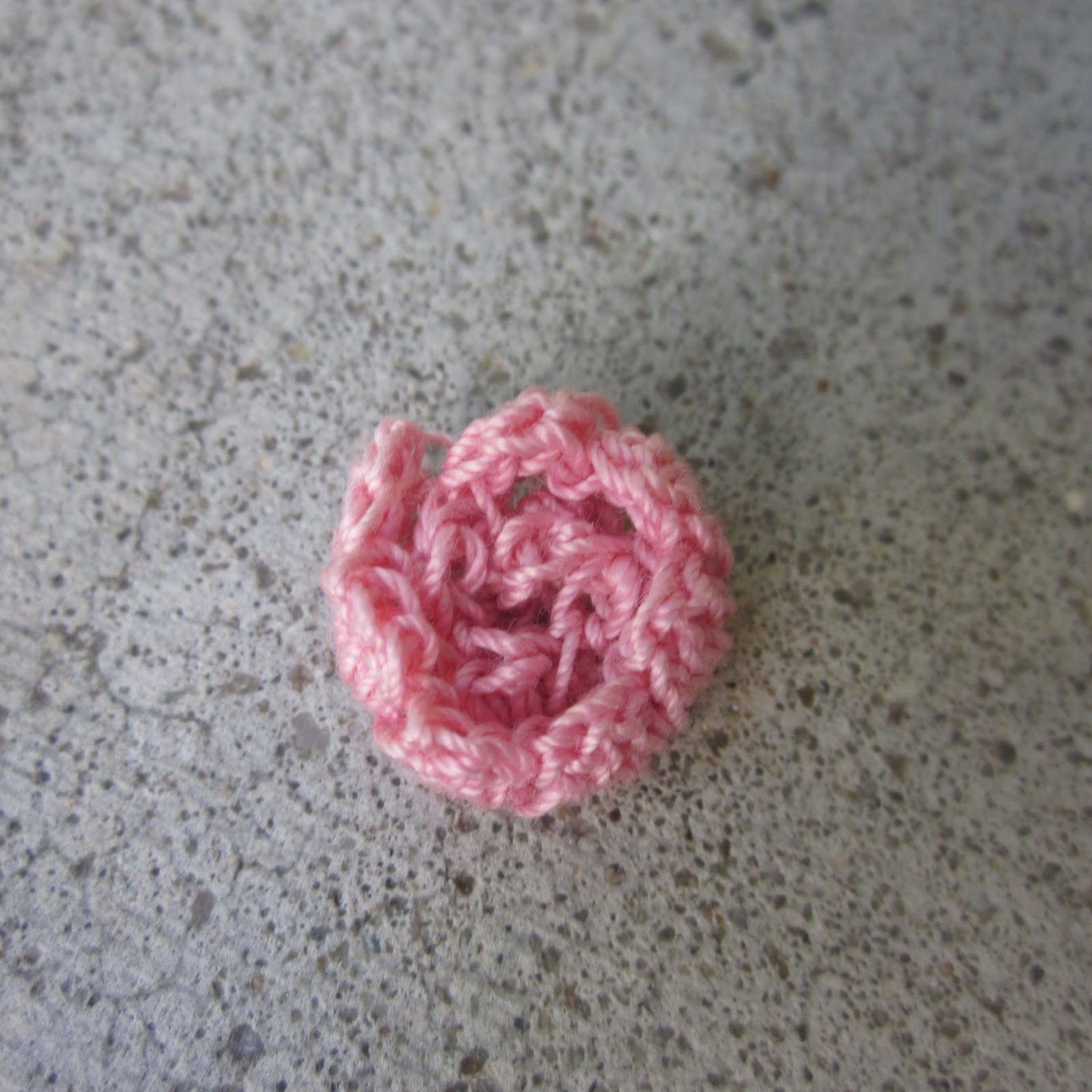 Free Crochet Pattern For Cabbage Rose : Primarily Patterns: Cabbage Rose / Peony Crochet Pattern