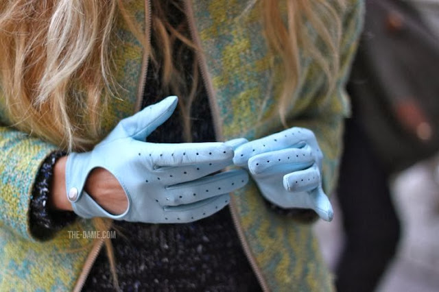guantes azul celeste
