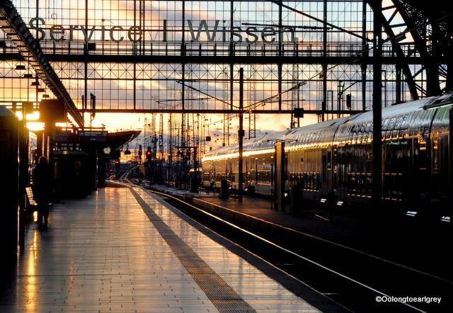 Frankfurt Hauptbahnhof at sunset