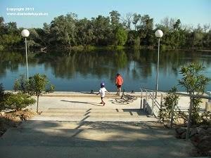 http://bicicletasypiruletas.com/via-verde-baix-ebre/