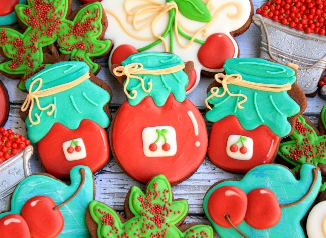 Decorated Cherry Jam Cookies | LilaLoa: Decorated Cherry Jam Cookies