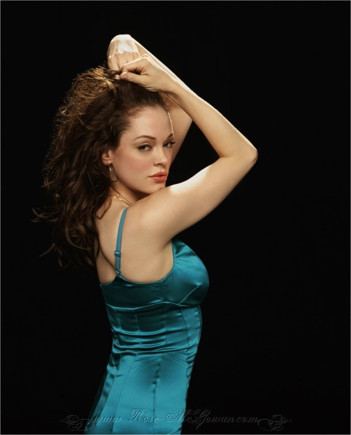 rose mcgowan mtv awards. rose mcgowan mtv awards dress.
