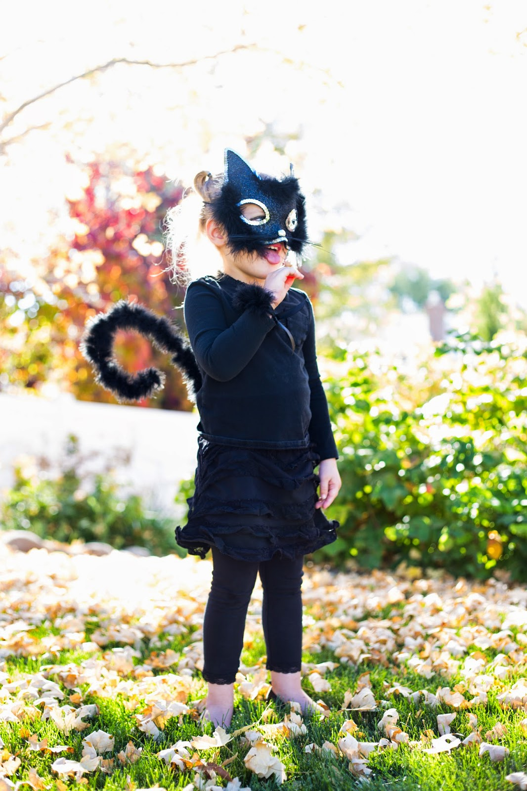 ... Cat Costume Tutorial to make this adorable kitty tail. Iu0027m so happy with how it turned out! Itu0027s a simple easy quick cheap and cute costume. & do it yourself as: Little Girl Cat Costume for Halloween