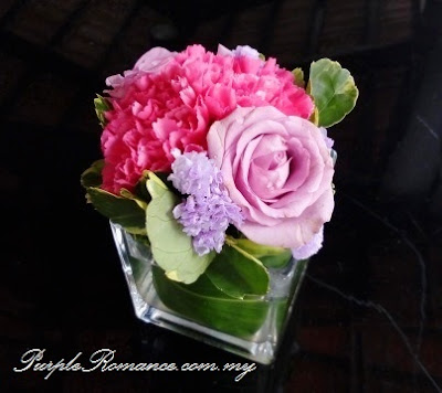guest table flower, peonies, carnation, sweet pink, light purple roses, glass holder, wedding day, floral, hand bouquet, small posie, malaysia, kuala lumpur, klang valley, selangor, melaka, seremban, bentong, pahang