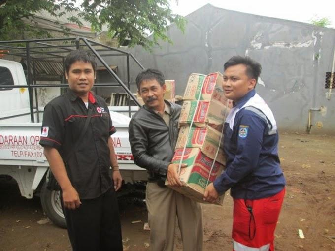 PMI Depok Bantu Korban Banjir di Kelurahan Bojongsari