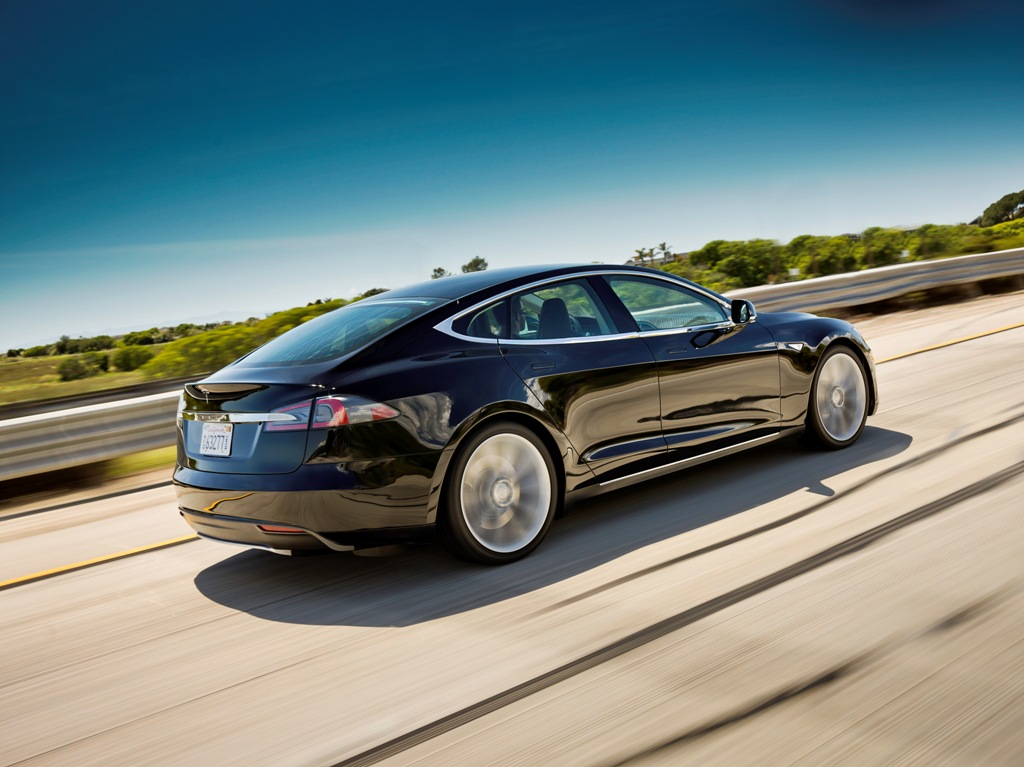 Panasonic And Tesla Sign 4 Year 80000 Vehicle Battery Deal