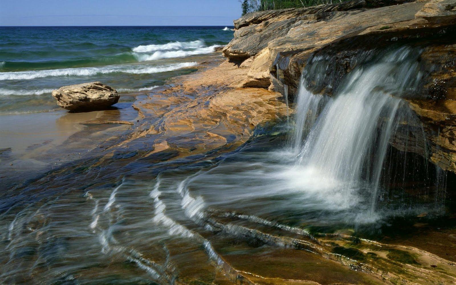 http://1.bp.blogspot.com/-8O0cJD_l9tQ/TbWlMdD4jBI/AAAAAAAAdL8/4uhCgttajng/s1600/cascadas%2Ben%2Blas%2Brocas%2B-%2Bstone-waterfall-1920x1200.jpg