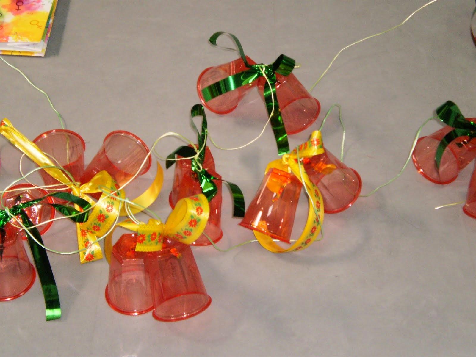Adornos de Navidad con Materiales Reciclados