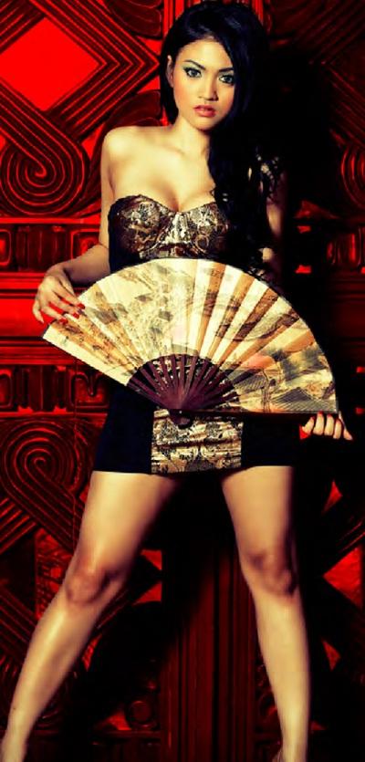 Model Seksi Putri Penelope Majalah Male