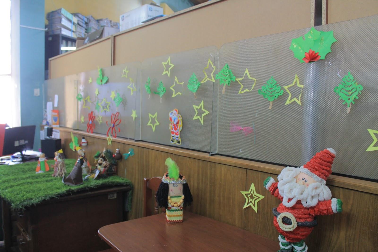 Por navidad y a o nuevo municipalidad de distrital de for Adornos navidenos para oficina