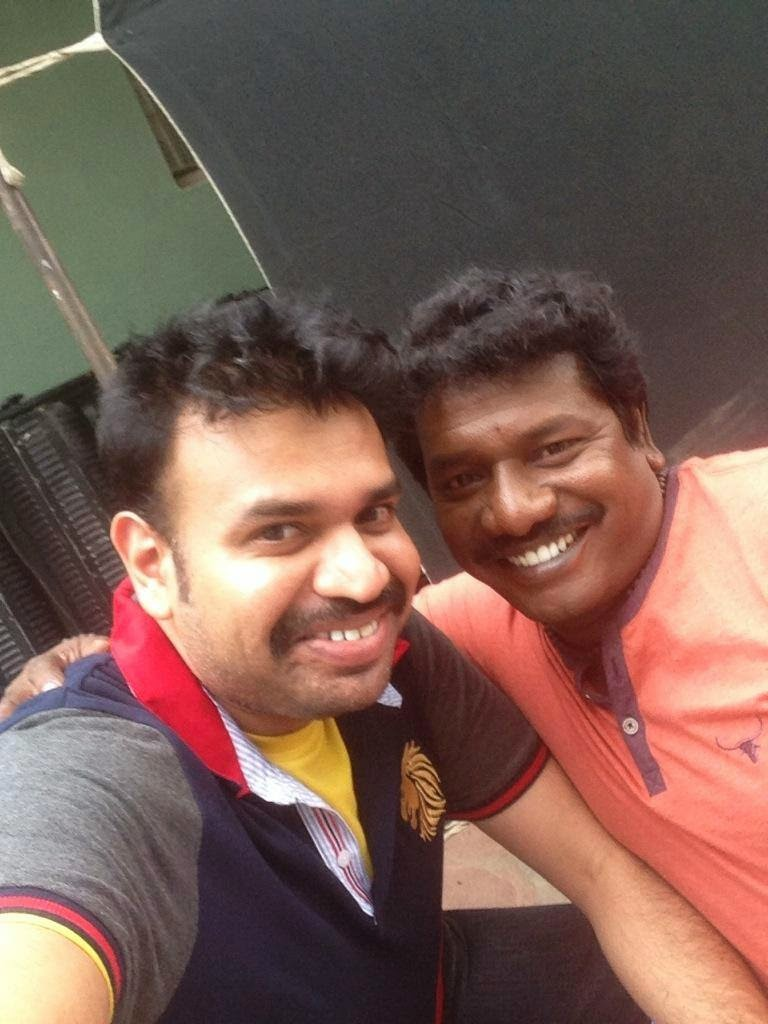 Masss-New-Shooting-Spot-Images-Selfie-With-Premgi-and-Karunas