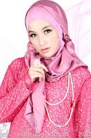 Hijab Kreasi Dengan Bahan Satin