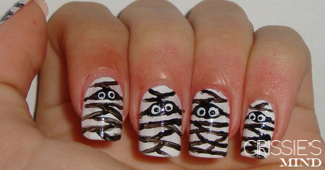 Halloween Mummies Nail Art Tutorial