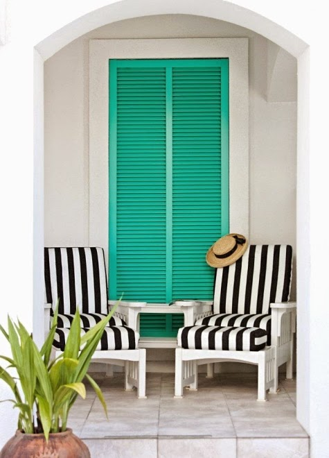 colorful beach decor