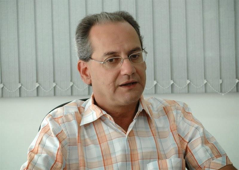 26/08 - Vazamento causou falta de água no bairro Morada Nova, diz prefeito que nega racionamento