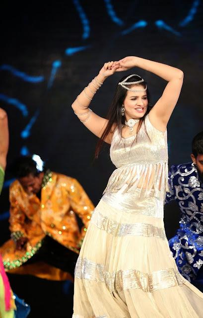 Actress Saloni  Dance Performance at Gama Awards 2.JPG