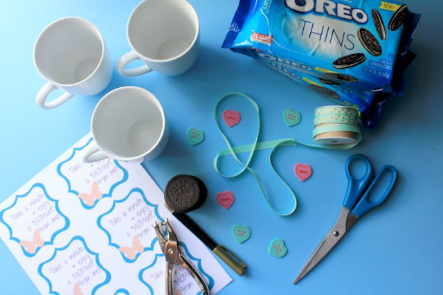 Share A MOMent With Your Friends! FREE Printable! #OREOThinsAreIn #ad