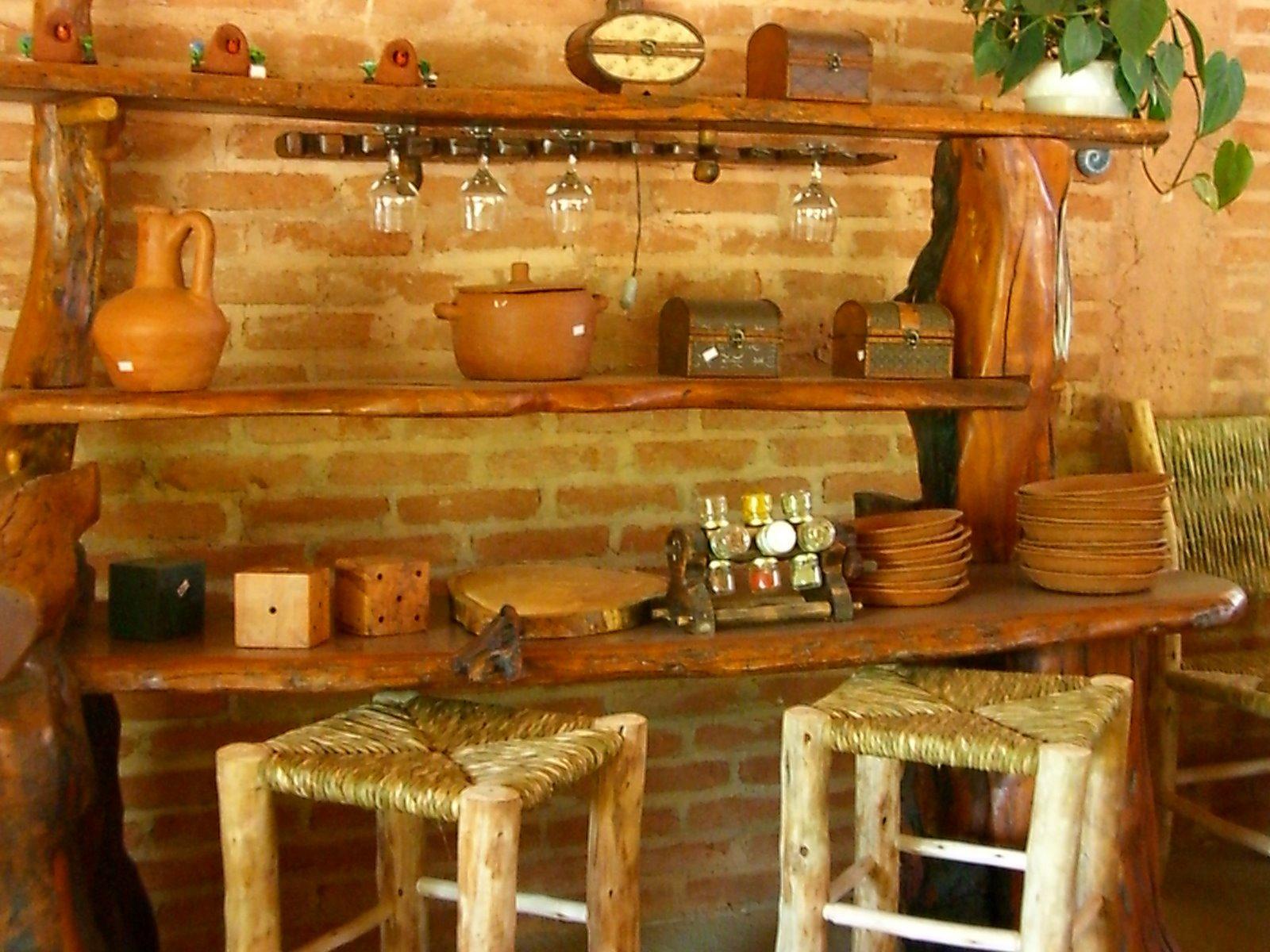 Tere marcellino moveis r sticos for Bar para casa rustico
