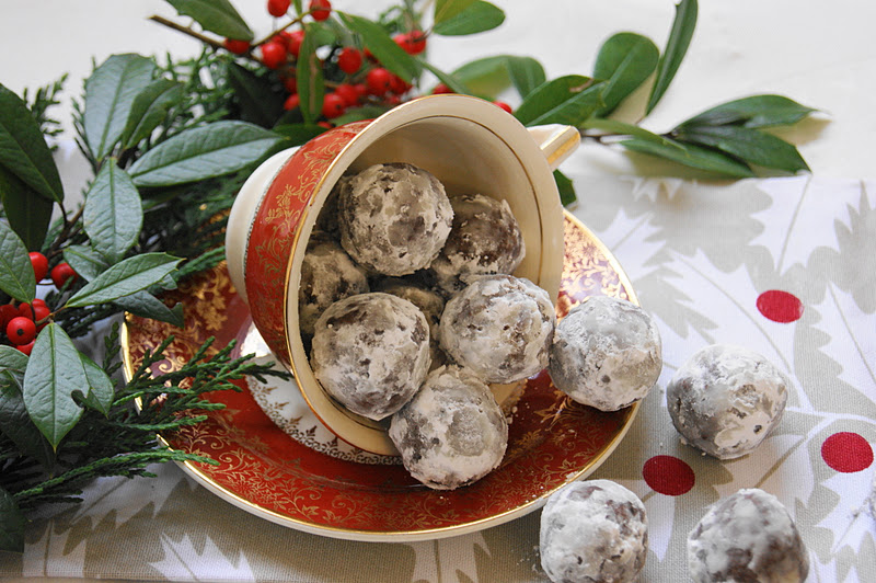 The Kitchen is My Playground: Rum Balls {with Spiced Rum}