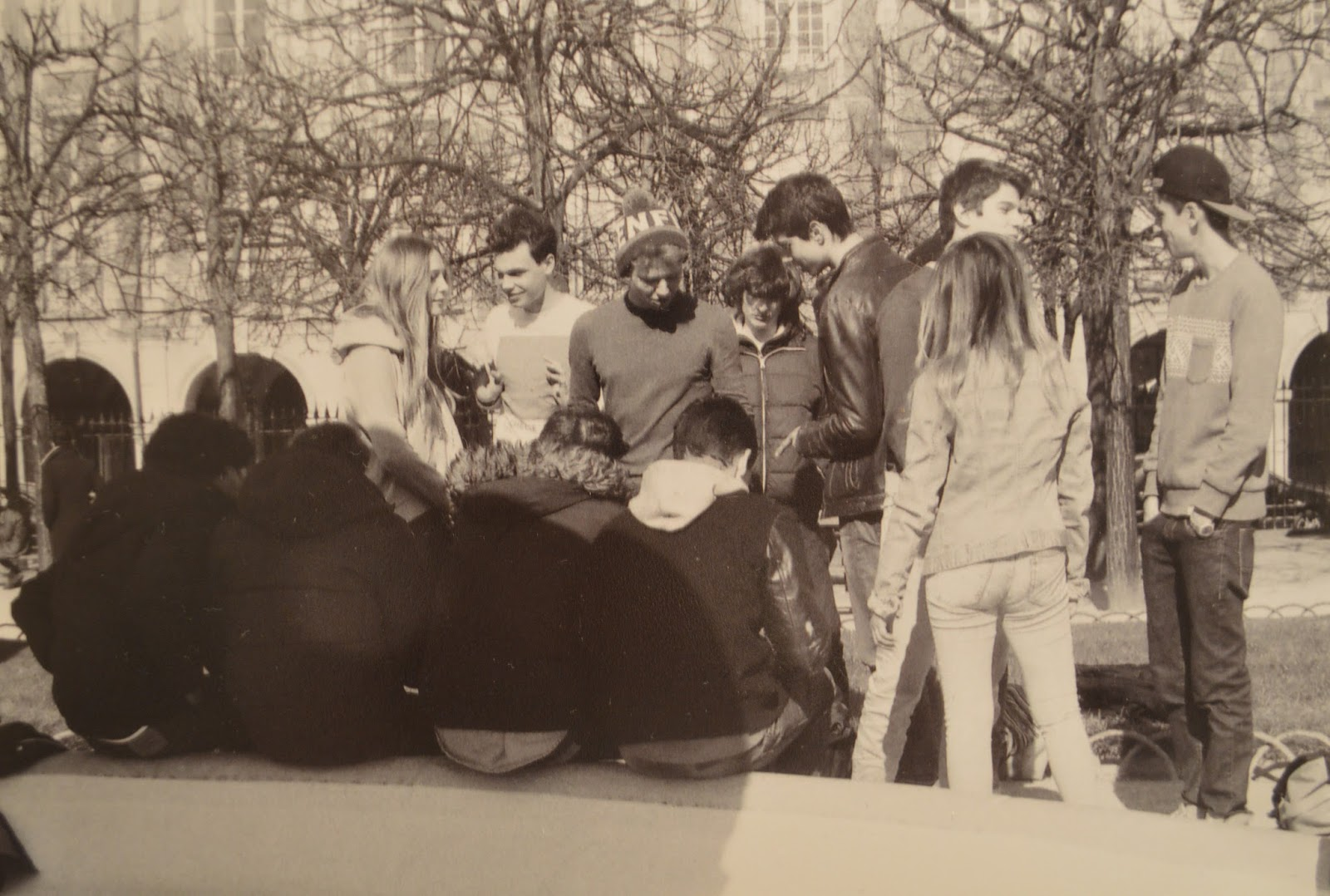 Photography: Teenagers in Place des Vosges, Paris