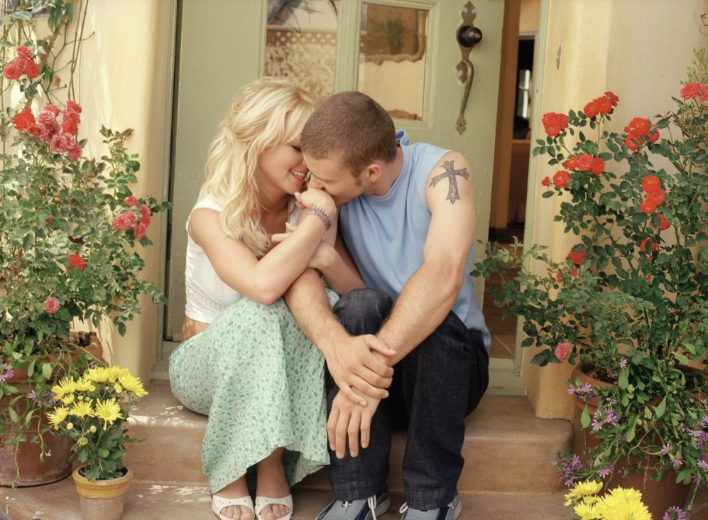 Britney Spears: Britney Spears and Justin Timberlake Kissing