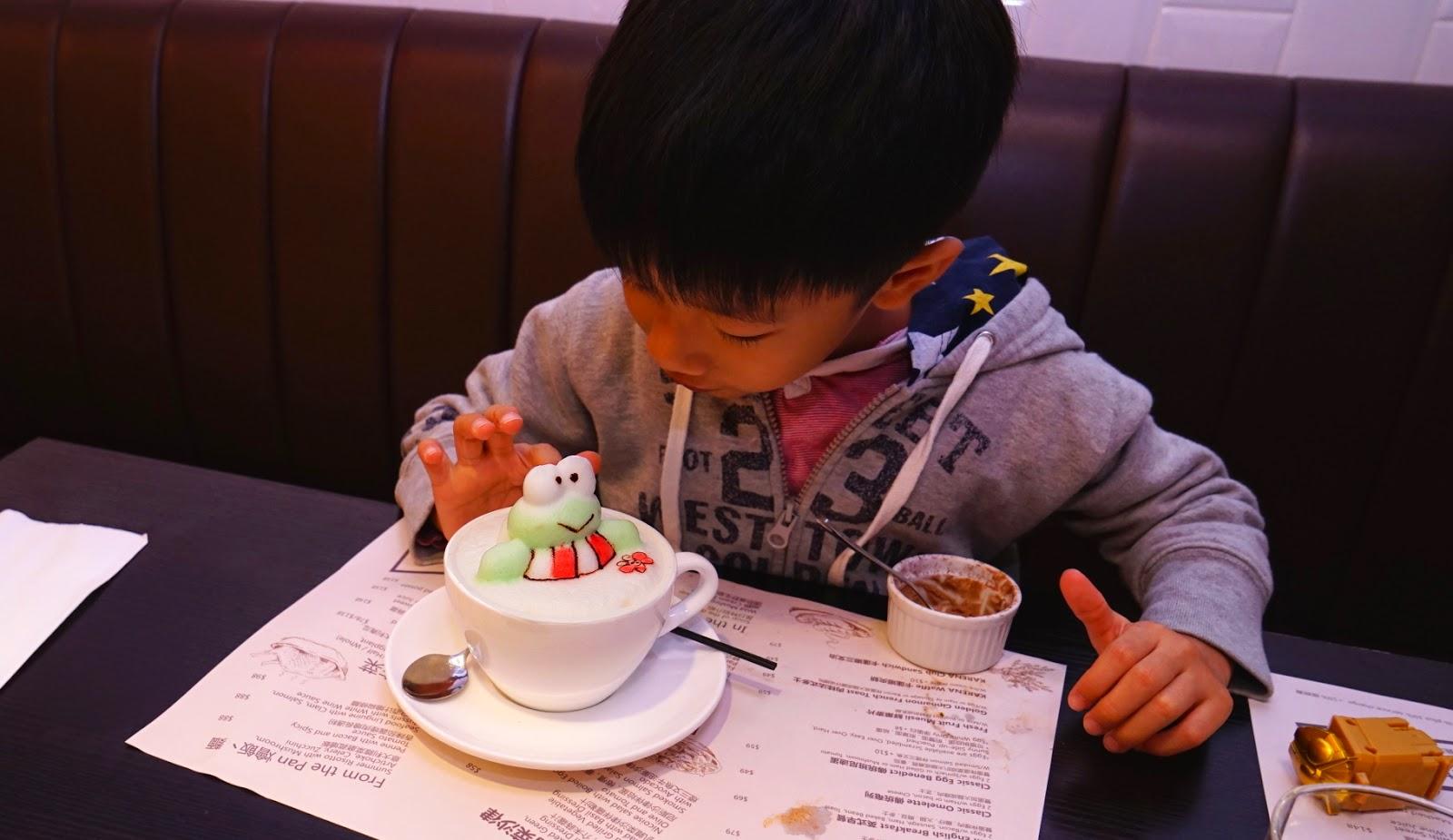 香港 新蒲崗 Mikiki Karena Cafe 3D拉花 咖啡 晚餐 Keropii Cappuccino