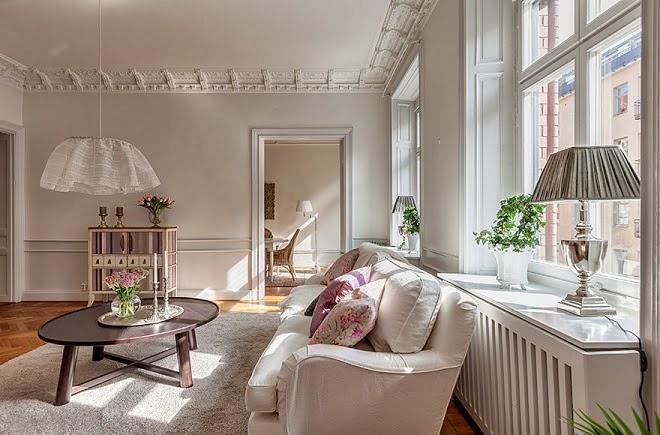 Abajures, arandelas e luminárias são fundamentais na decoração, e são nossa  chance de dar o tom feminino e charmoso! f2140c645d