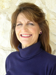 photo of author and journalist Diane Moore