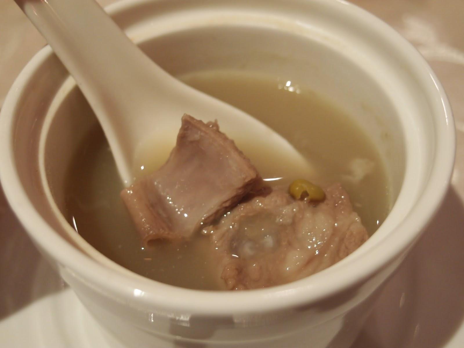 绿豆排骨炖汤