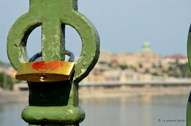 Budapest - le Pont de la Liberté - cadenas d'amour
