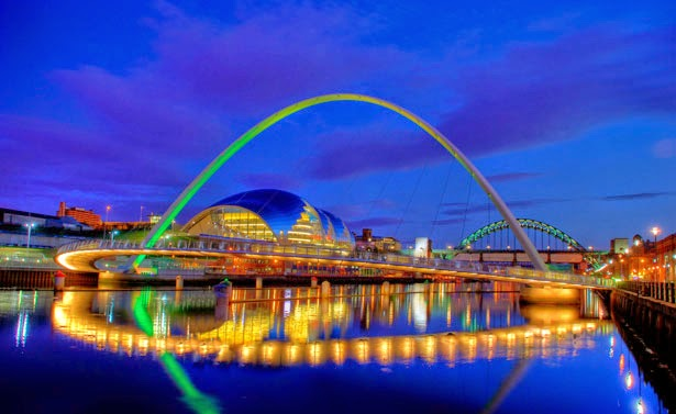 Jembatan Gateshead Millenium, UK