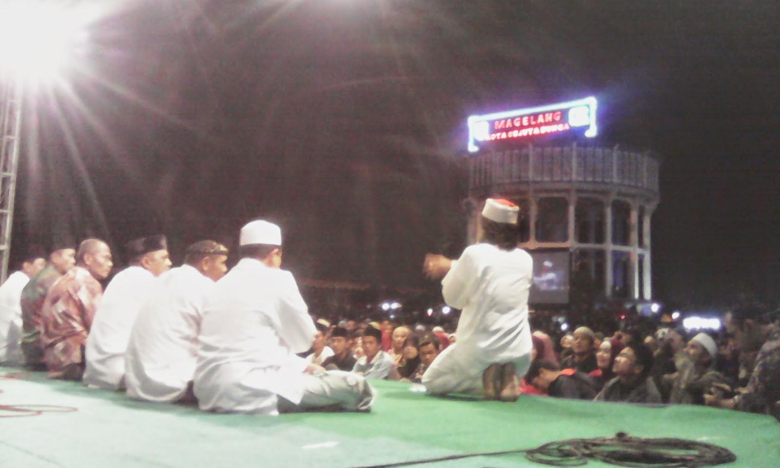 Magelang berdoa bersama Caknun dan Kyai Kanjeng