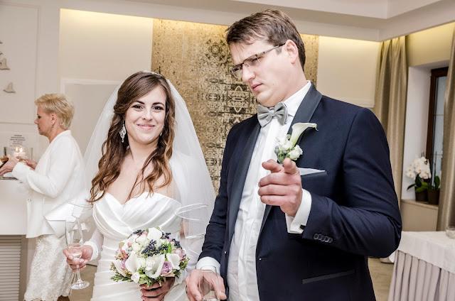 Szarości na ślubie.