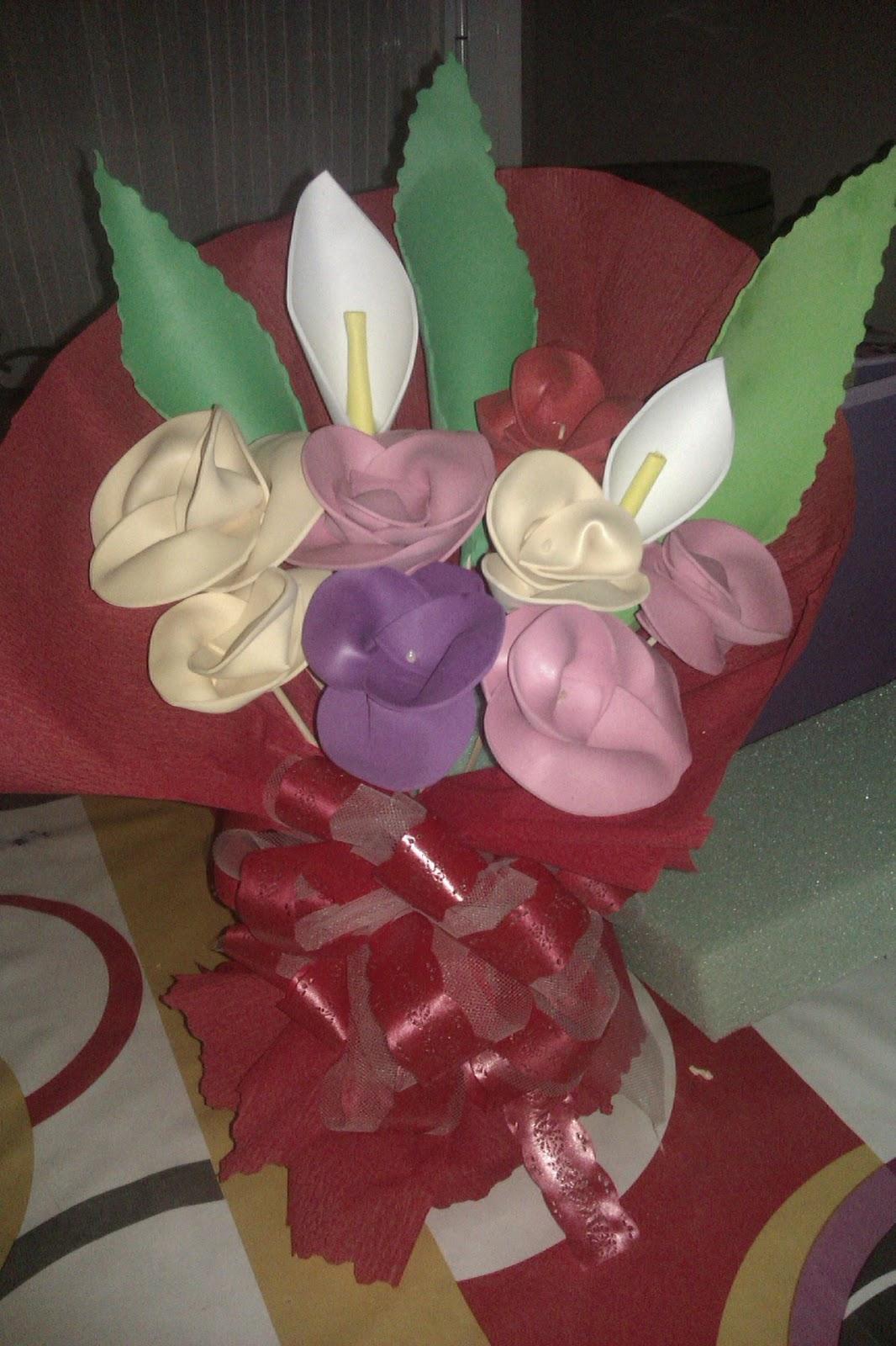 ramos de flores en goma eva