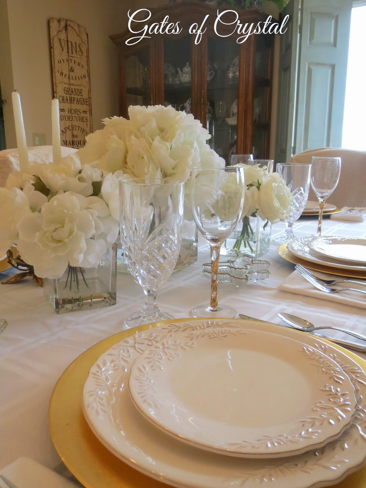 Gates of Crystal White and Gold Table Setting