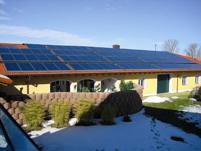 moduły PVT na dachu
