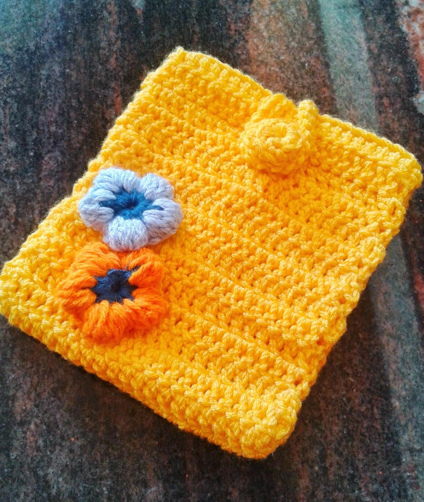 crochet mobilr pouch
