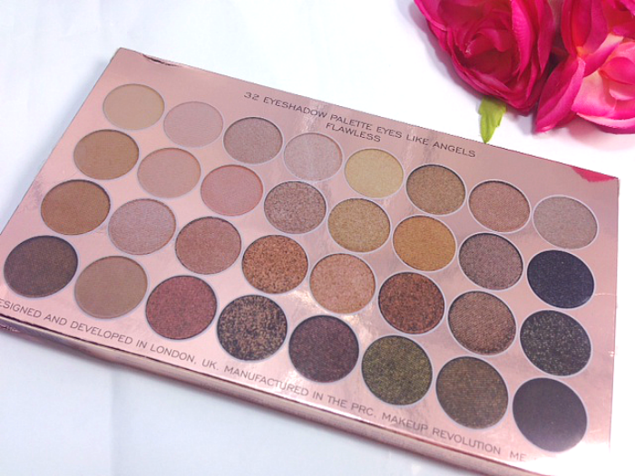The first product I tried was the Ultra 32 Shade Eyeshadow Palette in Flawless I hadn't even noticed this palette in the website when I looked so was ...