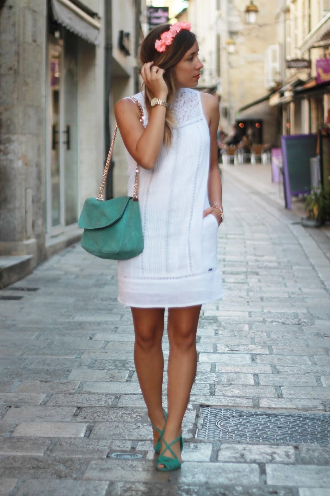 Robe blanche dentelle superdry