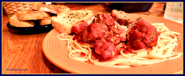 easy dinner, meatballs, sauce, comfort food