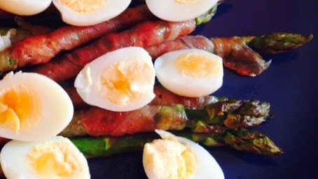 Asparagus with proscuitto and quail eggs