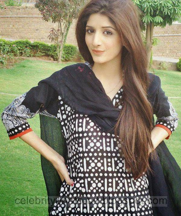 Beautiful%2BCute%2BPakistani%2BGirls%2BLatest%2BWallpapers%2B2014001
